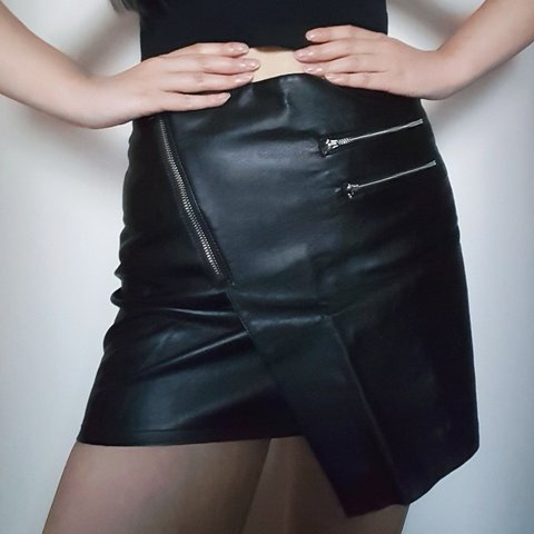 0e44d2b9c8 @hkuang. 2 months ago. Vancouver, British Columbia, CA. H&M Asymmetrical Faux  Leather Skirt with Zippers