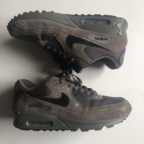 18627c3bebee7 Nike Air Max 90 Women s 10.5 Men s 9 -Worn once