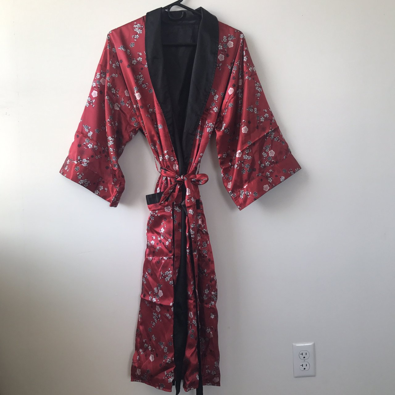 31d374fa8e Kimono silk robe. Very comfortable and wearable in home or - Depop