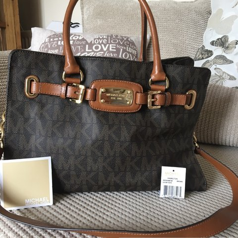 a53068114b2600 @jasmineday. 9 months ago. St Albans, United Kingdom. Authentic Michael Kors  Hamilton Large East West Tote Bag in signature ...