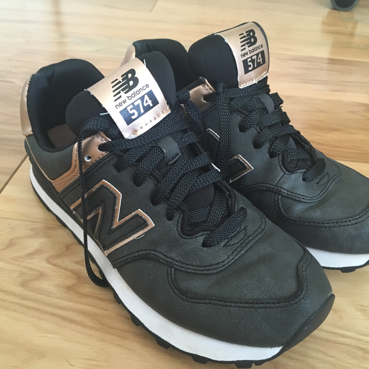 en soldes 3e56d 3763e New Balance 474 in dark gray and rose gold. Women's ...