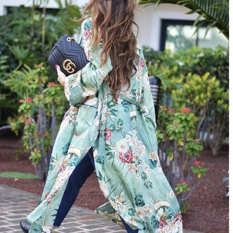 c8ae287a Zara floral print green kimono dupe from Boohoo in size S S, - Depop