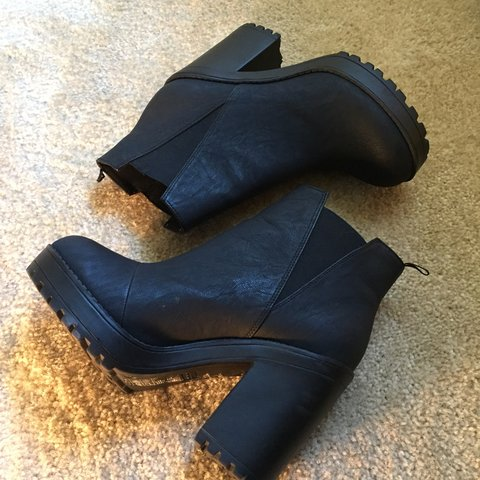 2684ab9204c Black Platform Boots Divided by H M Chunky Heel Faux   but - Depop