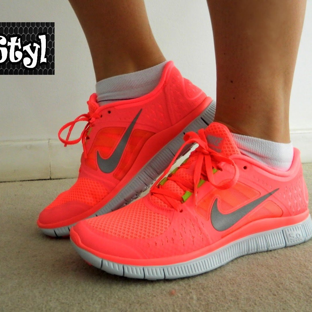 sale retailer 84f73 c8c07 Nike free run 5.0 shoes in neon pink Bought for... - Depop