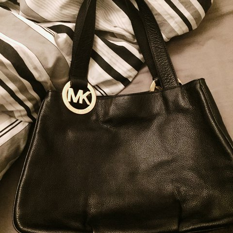 c5ab5495cbaa @farahzayed. last year. Southampton, United Kingdom. Michael kors black  leather east west fulton tote in very good condition ...