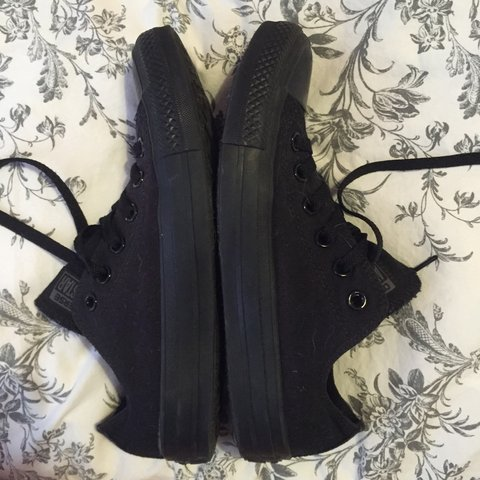 Size 6 all black converse 538e32192