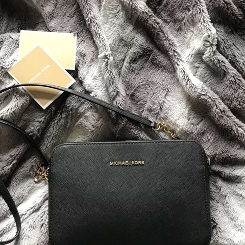 f6c1cf3e1360 @annvgk. 10 months ago. Northampton, United Kingdom. Michael Kors Jet Set  Large Saffiano Leather crossbody ...