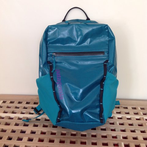 801be3ed51645 Patagonia black hole 26l rucksack in bright teal colour with - Depop
