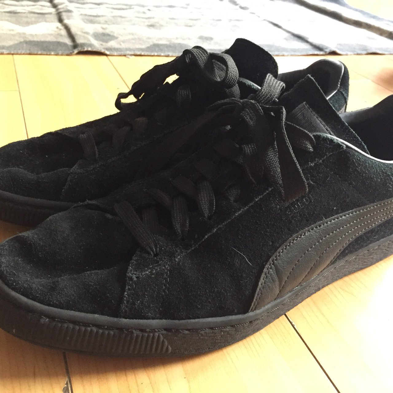 e6f8a1e463a @_jaded777. 2 years ago. Los Angeles, United States. *price drop!!* Free  shipping!! Black Puma Suede mens sneakers size 11