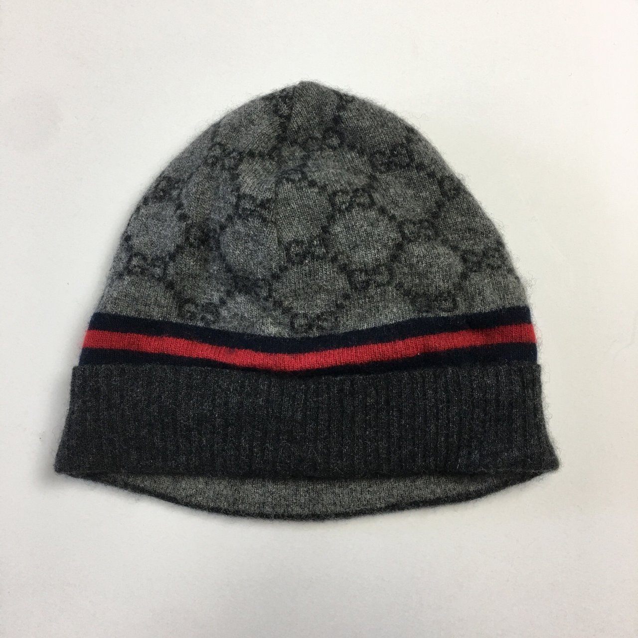 Authentic Gucci Cashmere beanie Very Clean Just a tad - Depop 6e7d3802948