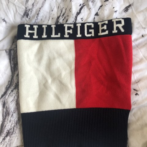 1dd017c3dc6fb8 Tommy Hilfiger tube top - Depop
