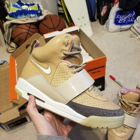 15d7669b2798f Nike Air Yeezy 1  u201eTan u201c    u201eNet u201c US 9.5 8 10 Condition OG  all - Depop