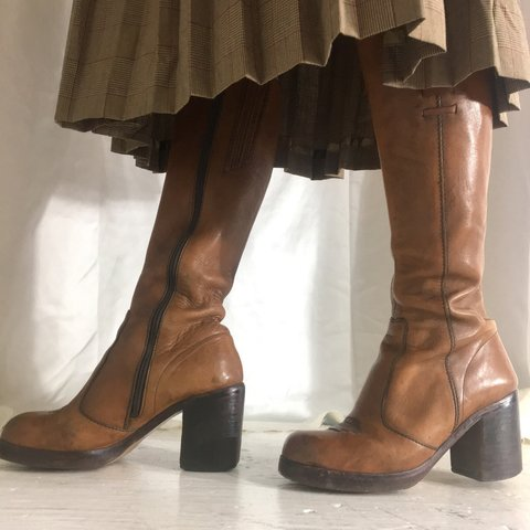 65a03884271c Absolutely stunning vintage 70s knee high boots with chunky - Depop