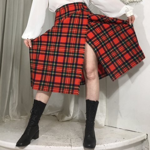 ee51ae957c Lovely vintage red plaid wool kilt, with pleats in the back - Depop