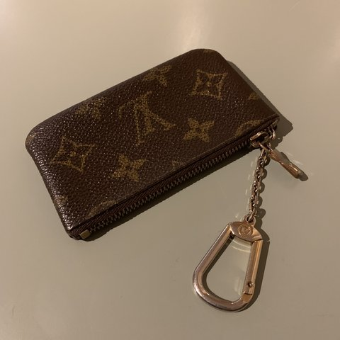 b74d32451287 VINTAGE LOUIS VUITTON COIN PURSE WITH KEYCHAIN - Used