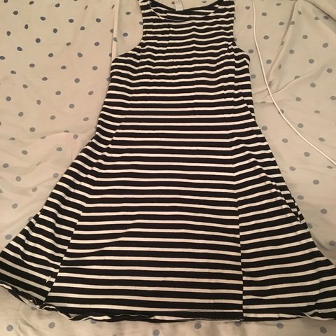 435e086c8d74 @guvamango. 5 months ago. Cleveland, United States. old navy blue and white  striped dress forever 21 ...