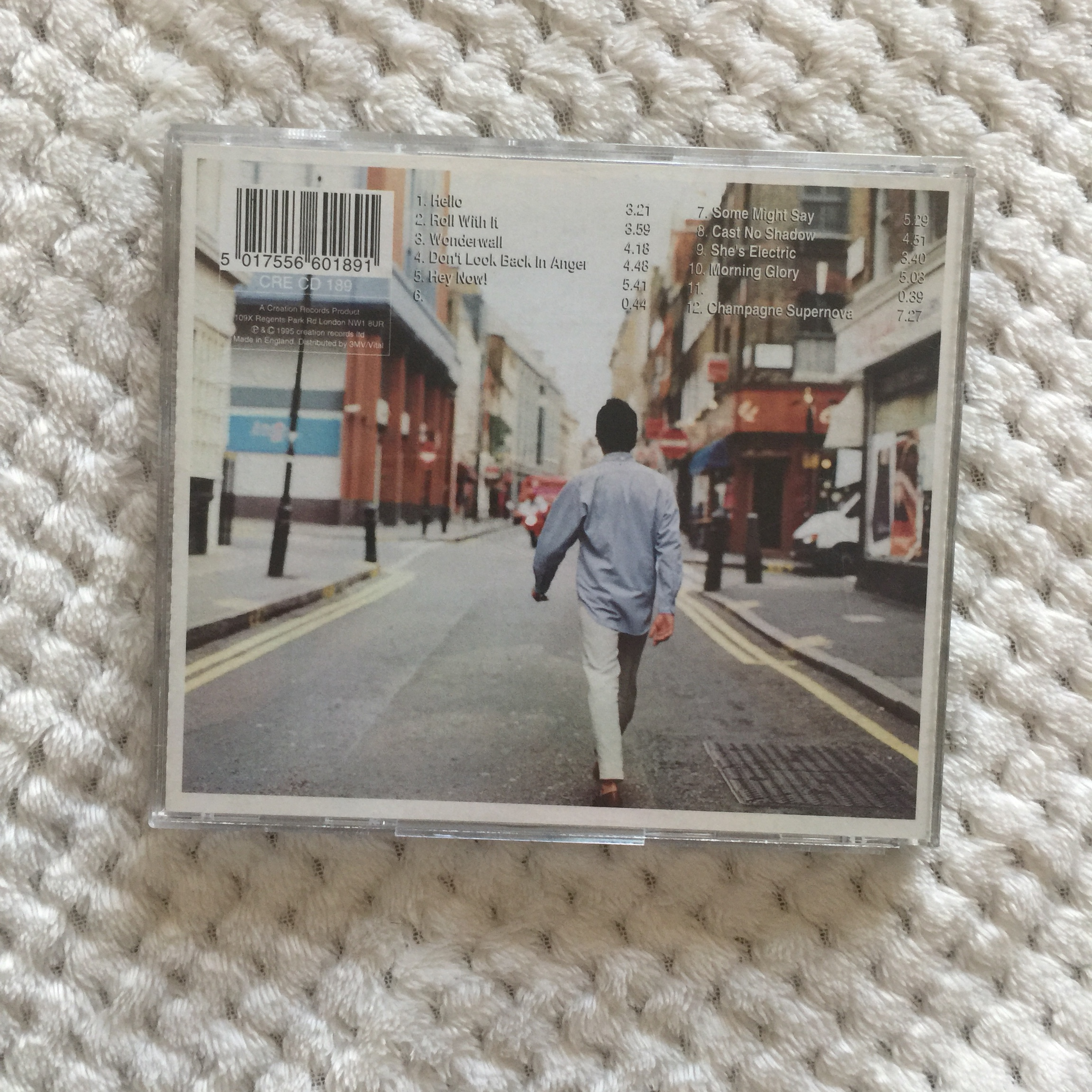 Oasis second album What's The Story (Morning Glory)?    - Depop