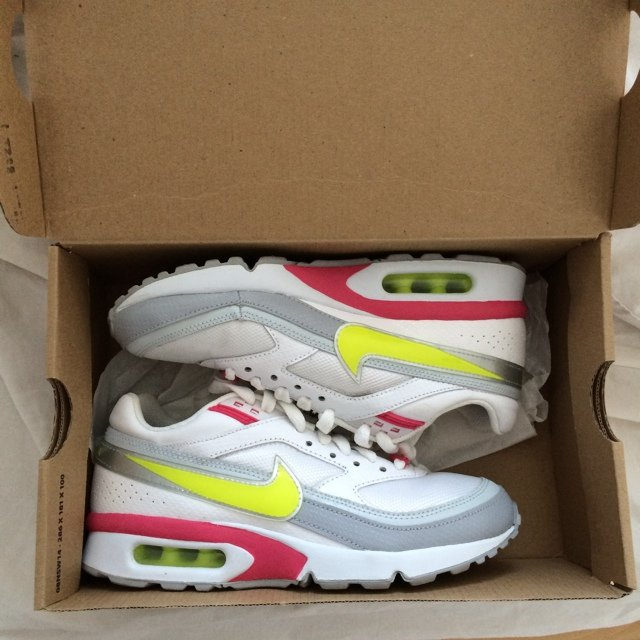 timeless design 74f06 d79b4 nike air max size 4 never worn