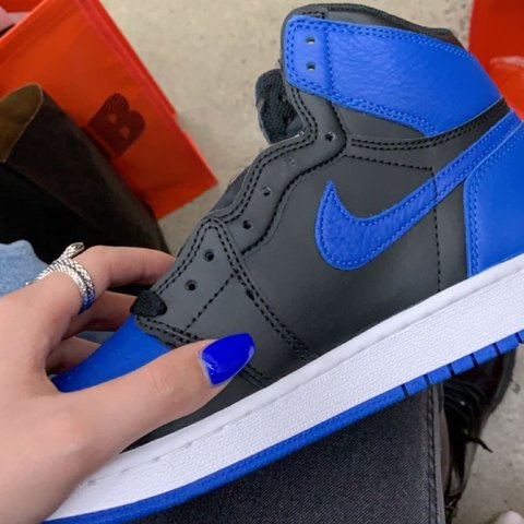 6e5fefc79ef 2017 air jordan 1 retros in royal blue size 7Y, converts to - Depop