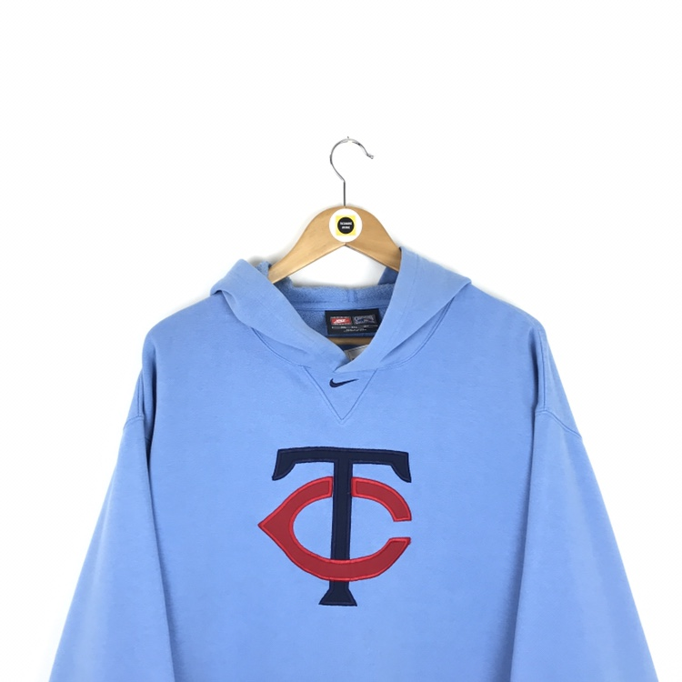 100% authentic dc74e 764cd Vintage Nike Light Blue and Red Minnesota Twins... - Depop