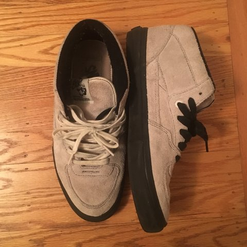 4f959242bbf Vans half cab run true to size worn a couple times. Comes as - Depop