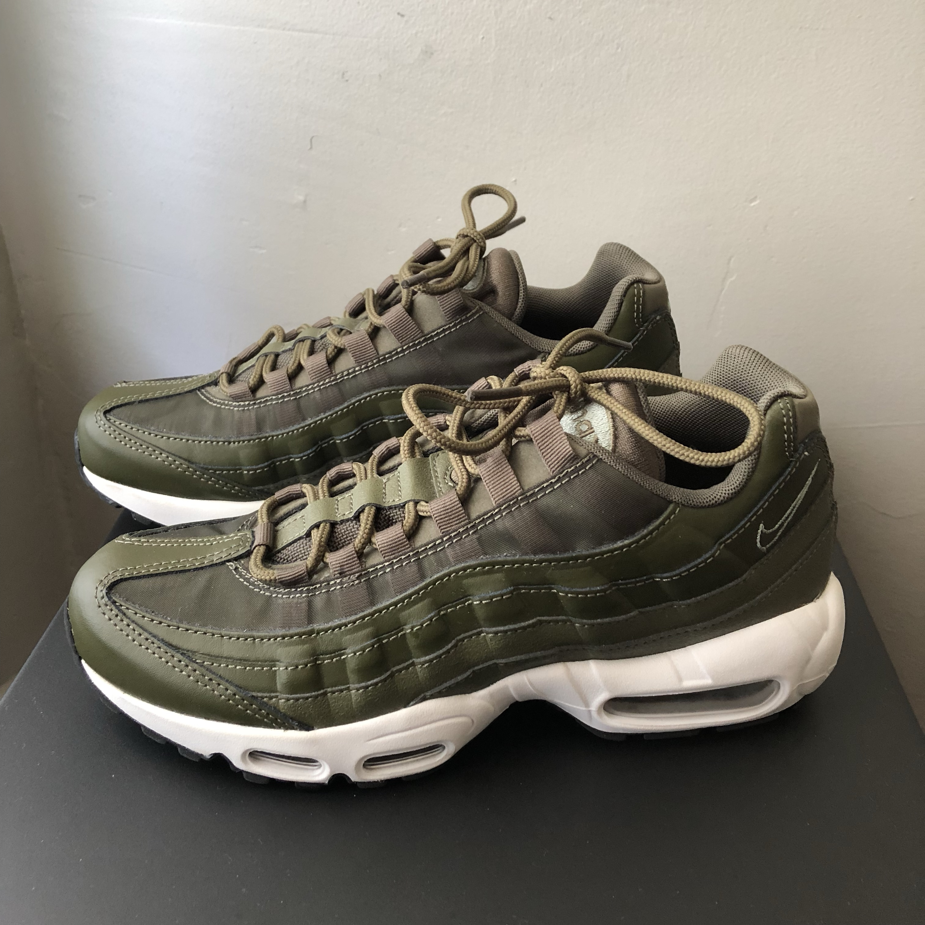 Essential Nike Air Max 95 Olive Green with Mesh and Depop