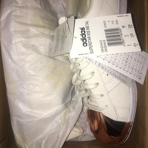 pretty nice fe8b6 613b5  racch x. 2 years ago. London, United Kingdom. BRAND NEW ADIDAS SUPERSTAR  80 S OFF WHITE ROSE GOLD ...