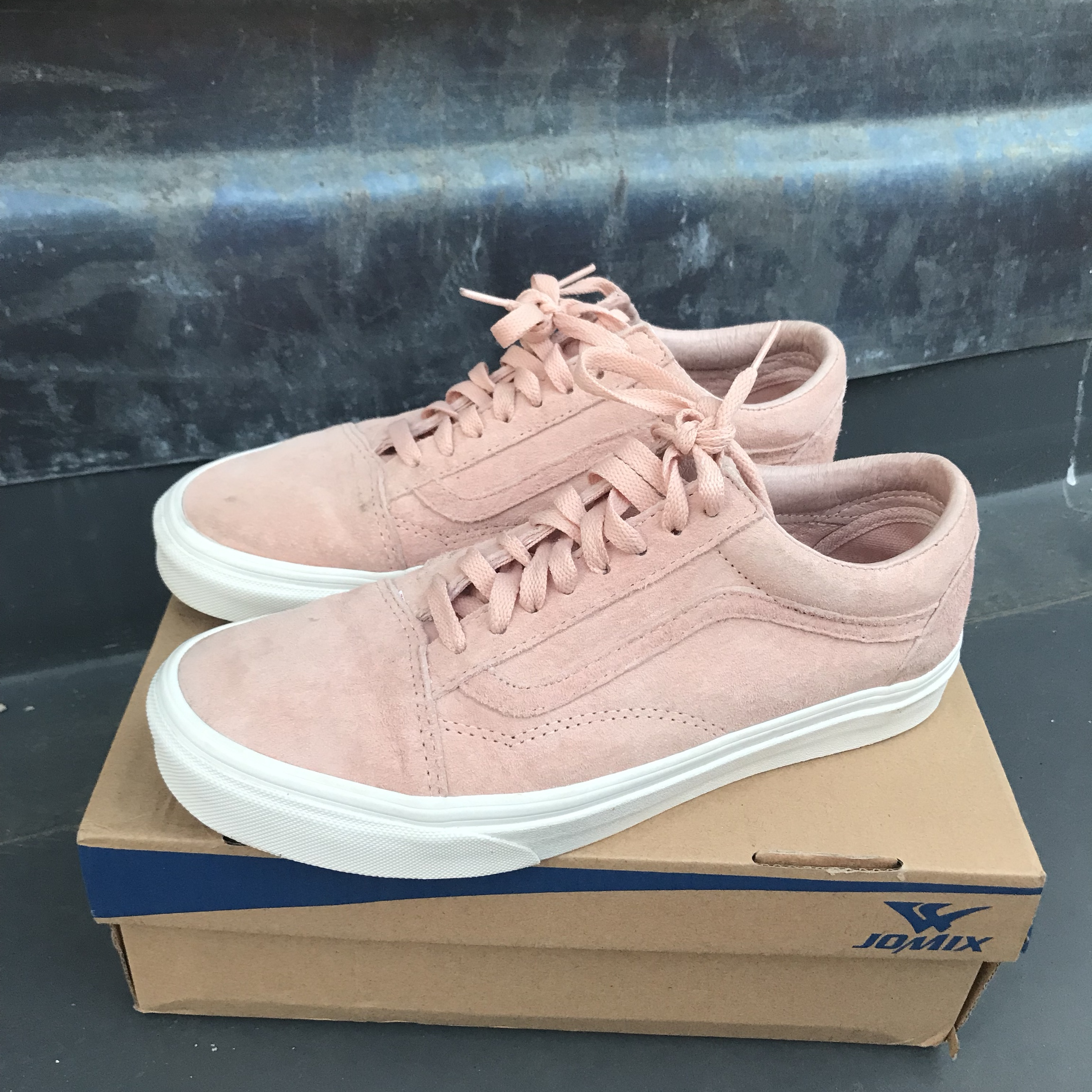 "f2f09d450e2210 New suede pink vans ""Spanish villa"" in great condition"