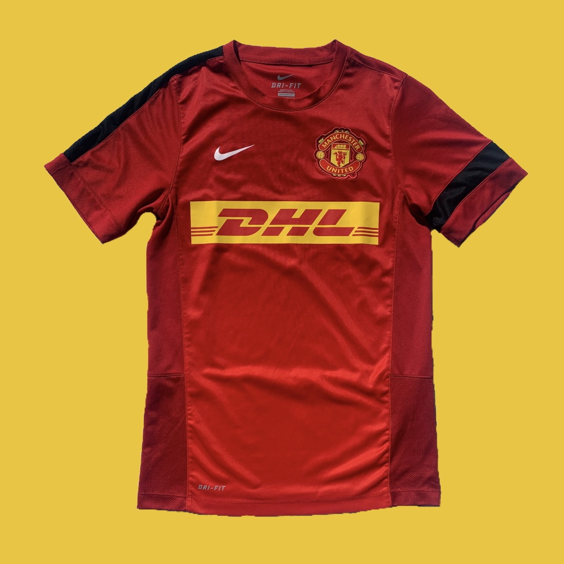 cheap for discount b8f00 b2fc5 Nike Manchester United DHL Soccer Jersey Size:... - Depop
