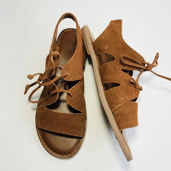 TOMS Calipso Suede size 8 sandals. Only