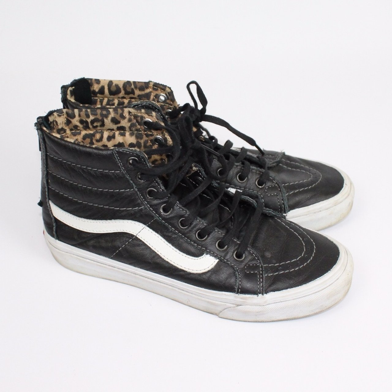 87d8590d32 Leather black and white classic high top vans Zip laces