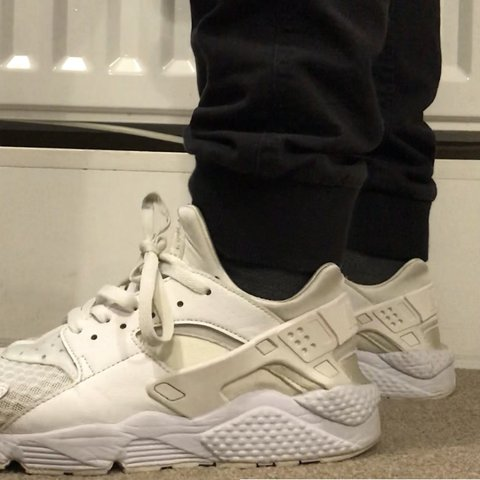 3d709cc9020bb Nike air huarache Size 8. No defects but have been worn a to - Depop