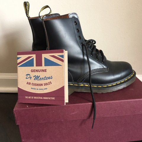 9be0b8434bc @kelseyanng. 2 years ago. Chicago, United States. DR MARTENS MADE IN ENGLAND  VINTAGE 1460 8-EYE BOOT.