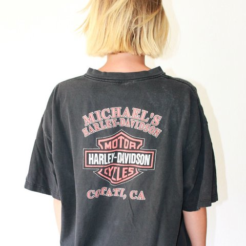 d5aa42a85 @discobunnyco. 2 years ago. Los Angeles, United States. Vintage HARLEY  DAVIDSON graphic tee ...