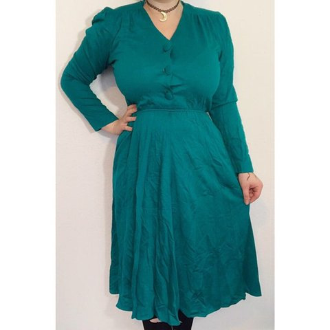 e9918a2860 @creepycurvyvintage. 3 months ago. Battle Creek, United States. Vintage  dress with pockets! Best fit's L/XL. Stretchy. Will take measurements ...