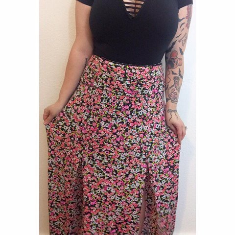 e781c511be @creepycurvyvintage. 5 months ago. Battle Creek, United States. Floral skirt  with 2 slits in the front. Best fit's L/XL. Very stretchy. Will take ...