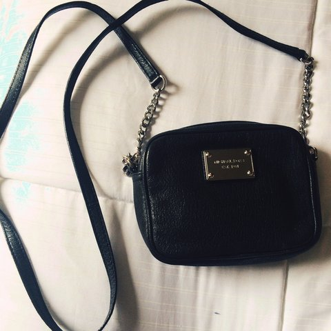 60372b030699 AUTHENTIC MICHAEL KORS CROSSBODY BAG