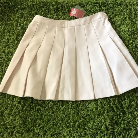 b2389831c0 forever 21 baby pink pleated skirt -got this a couple years - Depop
