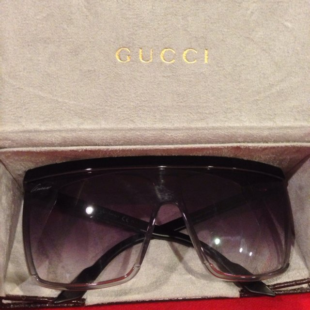 a67c1c2377d Gucci flat top brow visor style sunglasses with black grey - Depop