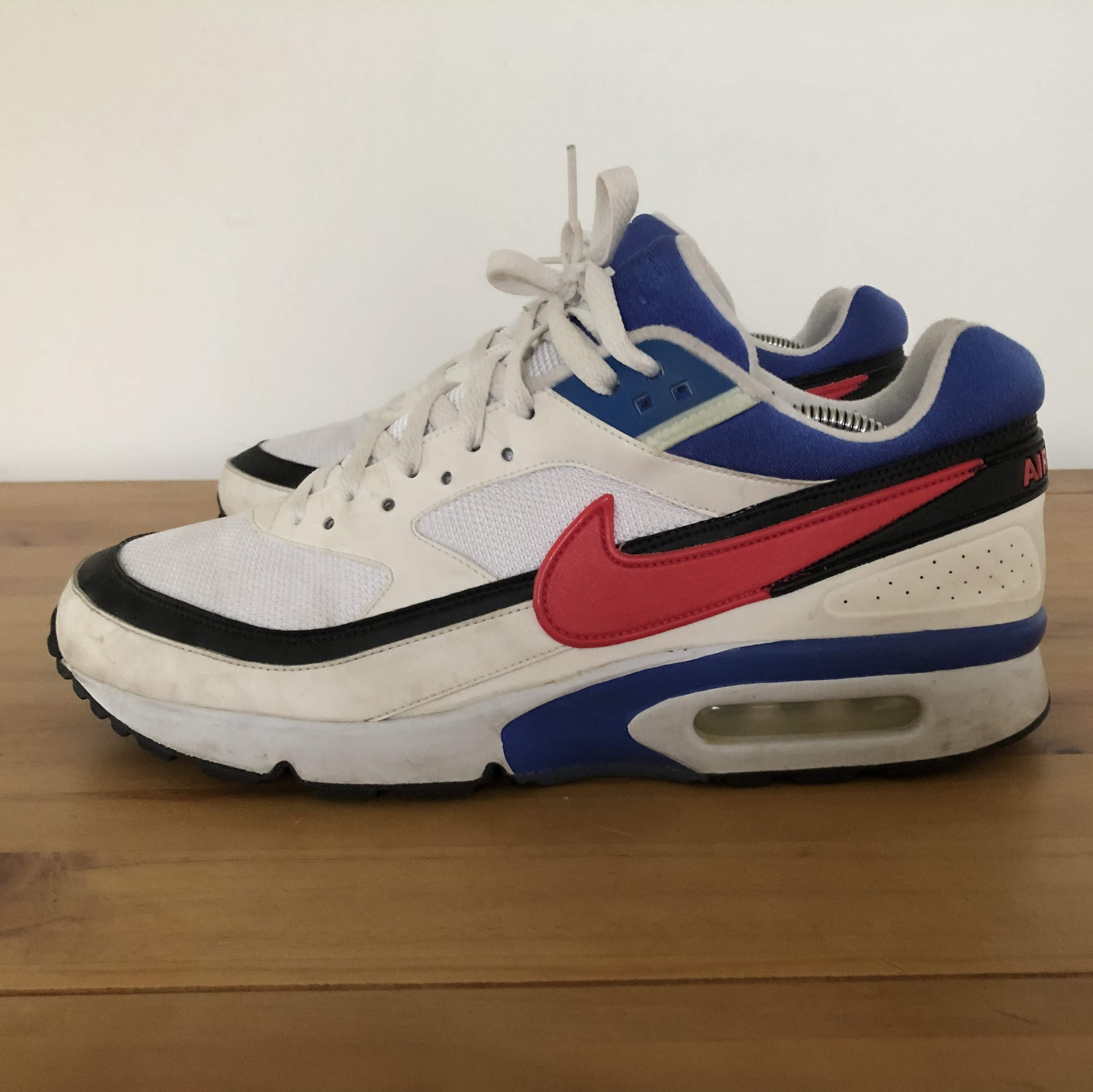 photos officielles 59cfc b3526 Nike Air Max Classic BW Rare White Blue Pink... - Depop