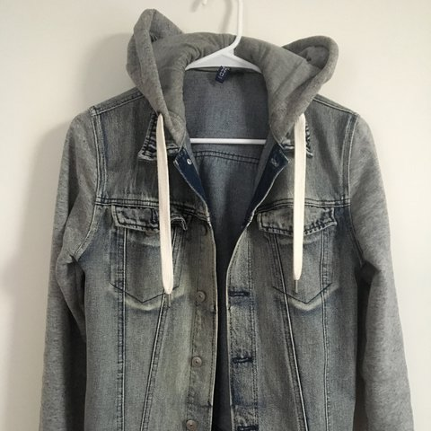 50a0c20ef0b3 Men s hooded denim jacket H M men s denim jacket with and - Depop