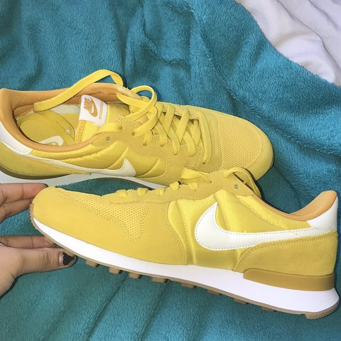finest selection a6e93 139a0 @jemimar2. 5 months ago. Gloucester, United Kingdom. YELLOW NIKE  INTERNATIONALIST TRAINERS !!
