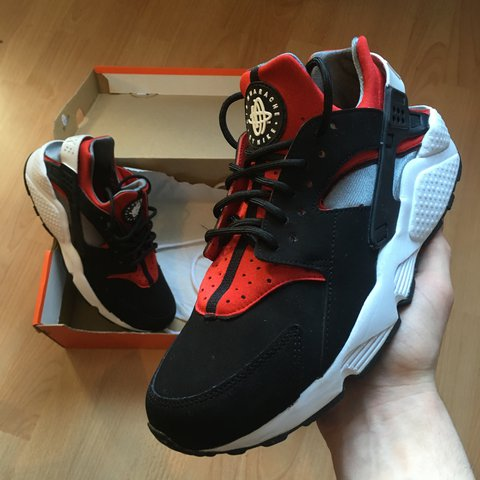0087c59bb8a9 Nike Air Huarache sport red white black 2012 release very in - Depop