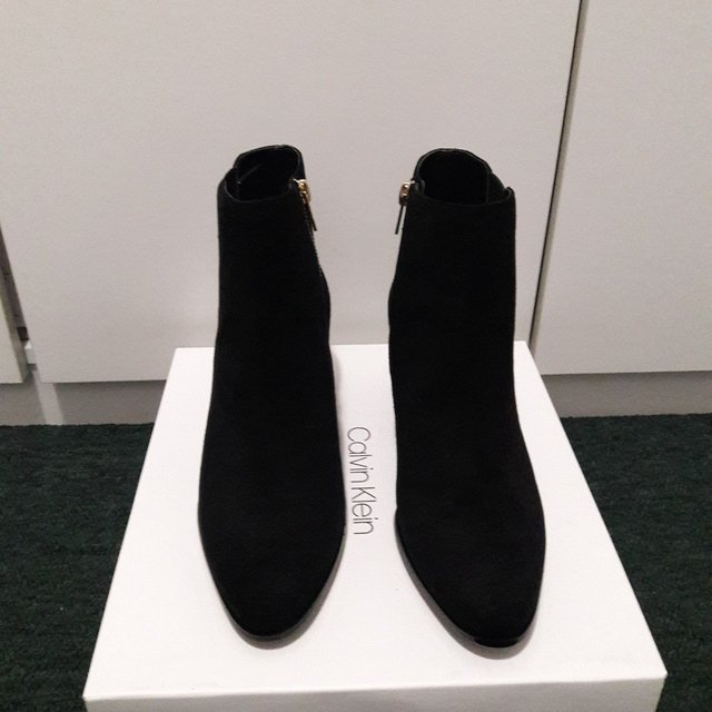 Calvin Klein Fisa Suede Ankle Booties