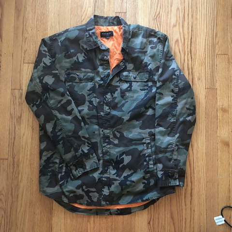 b5ee531903e6b @bussdown. 6 months ago. Los Angeles, United States. Pacsun camo jacket