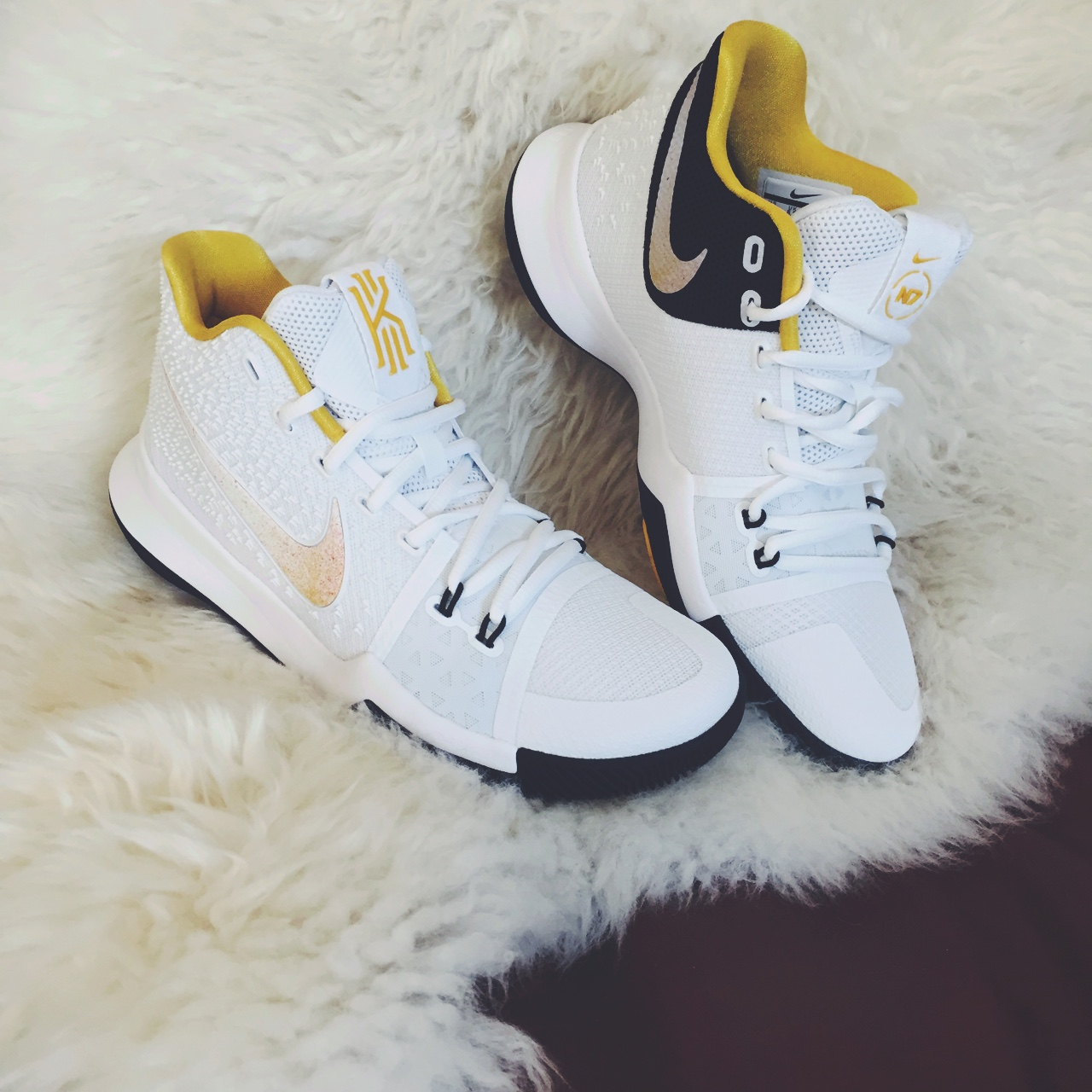 cheap for discount 95bf3 9e8bd Kyrie 3 N7. Nike Kyrie Irving White/Varsity... - Depop