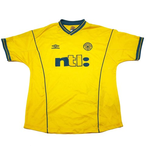 48e88ce5915 @panchoscornerstore. 2 months ago. Colorado Springs, United States. Celtic  FC 2000-01 Umbro Away Jersey Size - Large