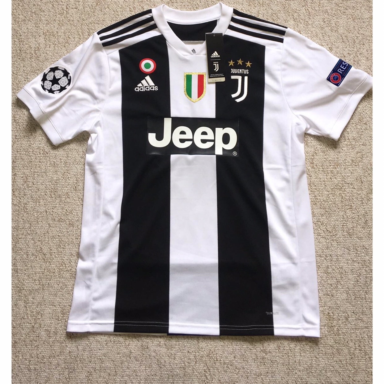 sports shoes 7bb16 56f31 JUVENTUS HOME KIT 2018/19 RONALDO 7 10/10 WITH... - Depop