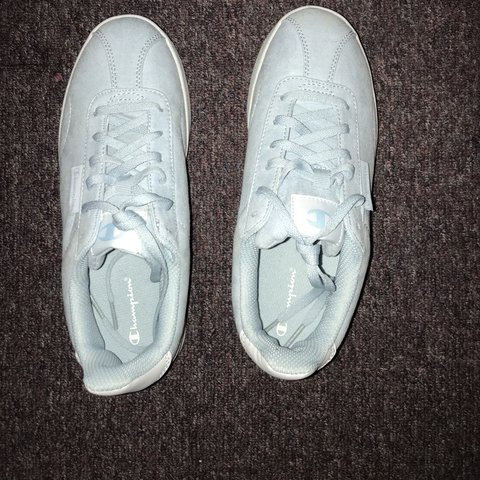 df6b32b9eeed38 baby blue champion shoes only worn once size   7 crease on - Depop