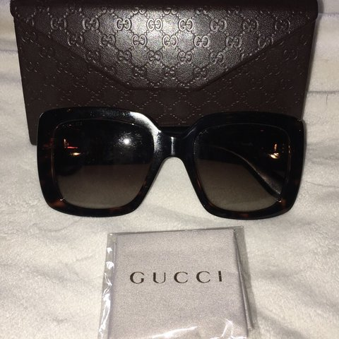 723f0639ed1 Gucci sunglasses Excellent condition No damage whatsoever   - Depop